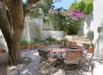 14 Breakfast Courtyard