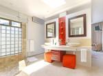 15 Ocean Suite Bathroom